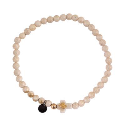 bracelet perles nacrées et croix