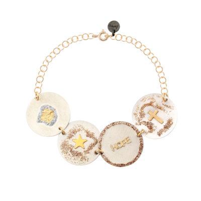 bracelet femme multi médailles