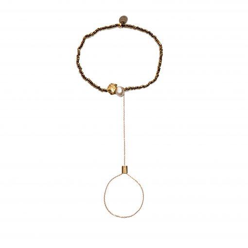 Bracelet de main perles blanches